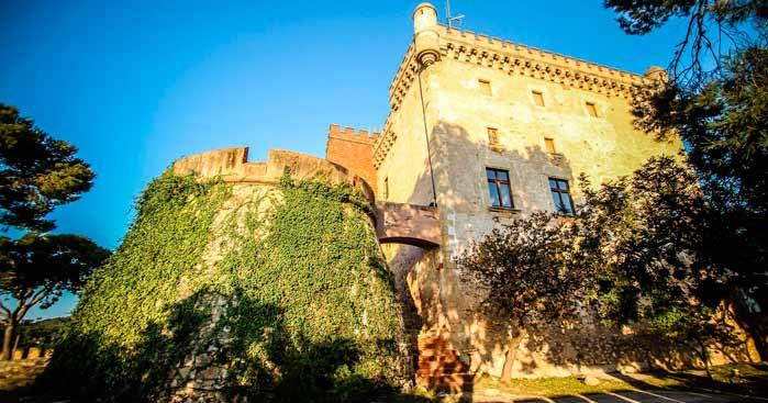 Трансфер Барселона Кастельдефельс, Гава - исторический замок