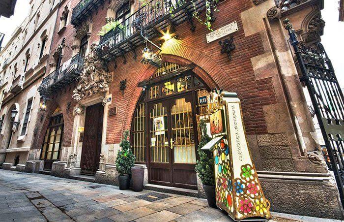 Ресторан Четыре Кота, достопримечательность Барселоны